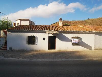 For Sale: Village House in La Vinuela Beds: 2 Baths: 1 Price: 49,950€