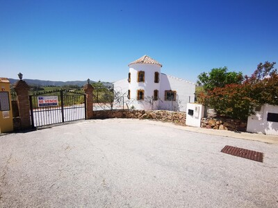 For Sale: Villa in Vinuela Beds: 2 Baths: 2 Price: 195,000€
