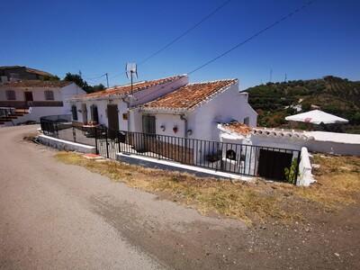 For Sale: Villa in La Vinuela Beds: 2 Baths: 2 Price: 159,000€