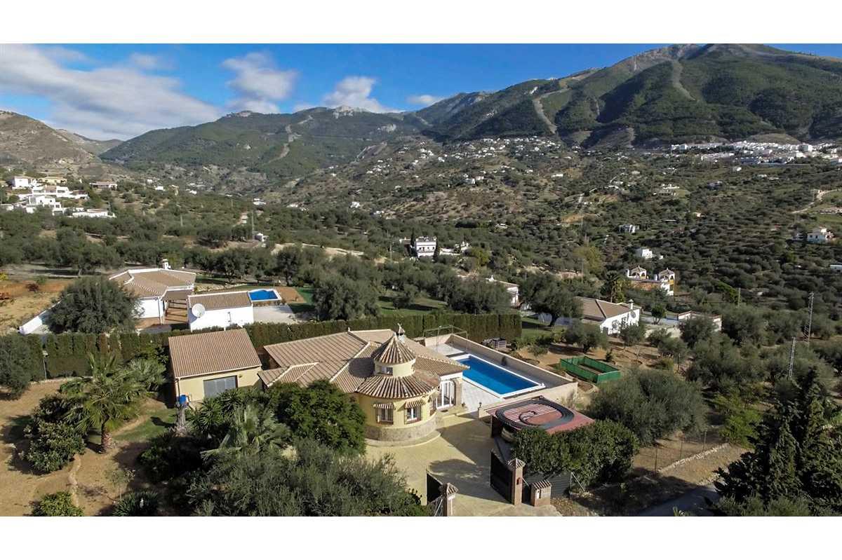 For Sale: Villa in Los Kikos Beds: 3 Baths: 2 Price: 369,000€