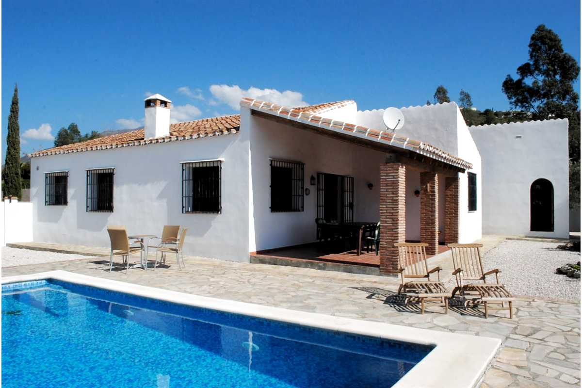 For Sale: Villa in Vinuela Beds: 3 Baths: 2 Price: 299,000€