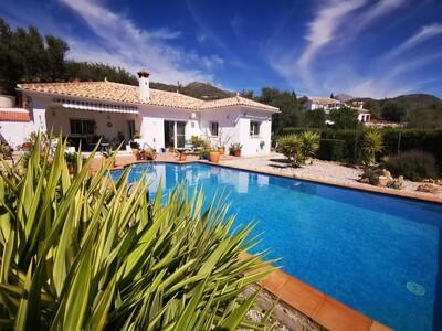 For Sale: Villa in Alcaucin Beds: 3 Baths: 2 Price: 295,000€