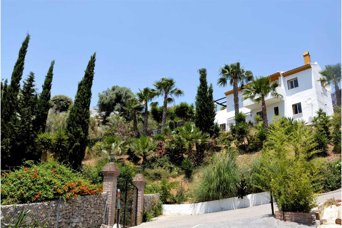 For Sale: Villa in Vinuela Beds: 3 Baths: 2 Price: 229,000€