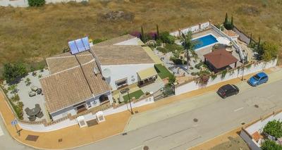For Sale: Villa in La Vinuela Beds: 3 Baths: 2 Price: 375,000€