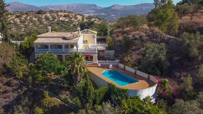 For Sale: Villa in Los Romanes Beds: 3 Baths: 4 Price: 549,950€